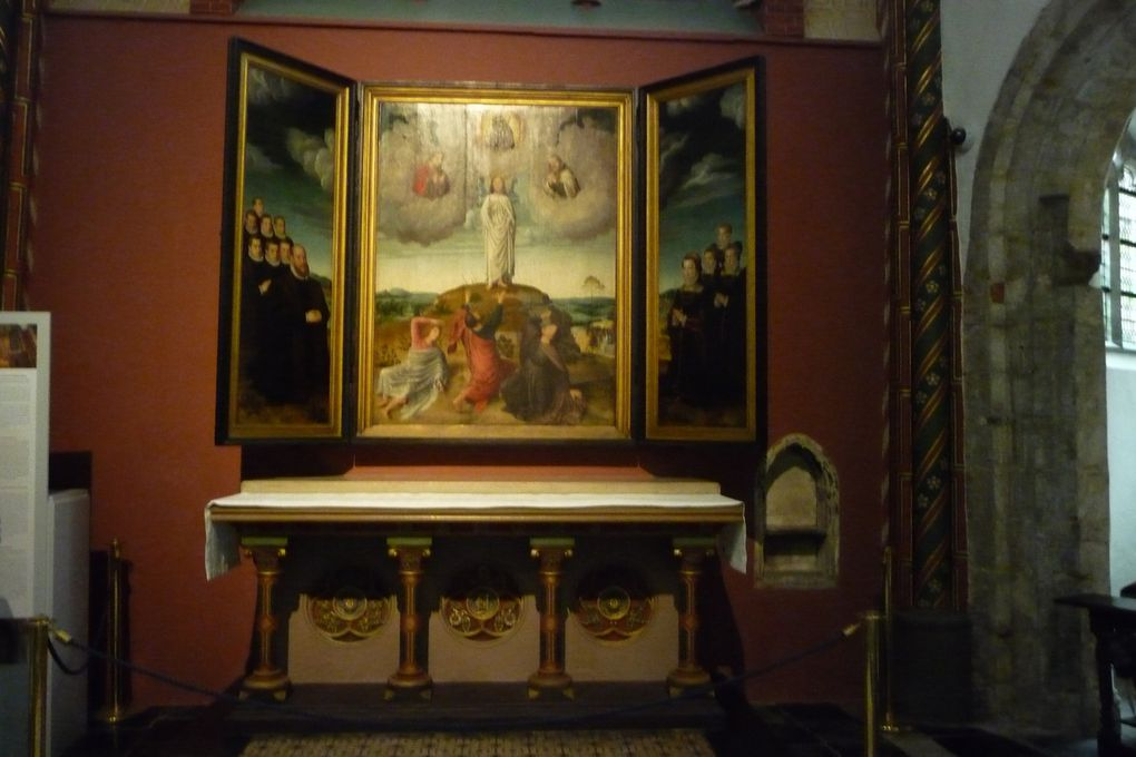 L'art religieux à Bruges et les tombeaux de Charles le Téméraire et de sa fille Marie de Bourgogne dans l'église Notre-Dame.
