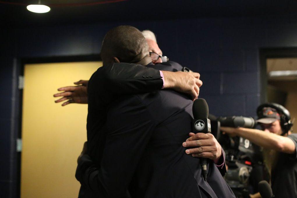 Denver a retiré le maillot de Dikembe Mutombo