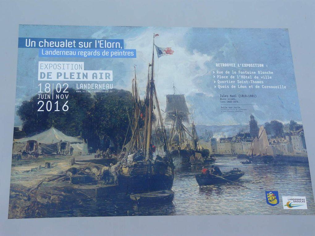 Marie-Pierre Cariou, responsable du patrimoine historique de Landerneau commente l'expo.