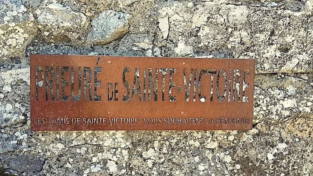 Ste Victoire, la Croix de Provence en rando tonique!