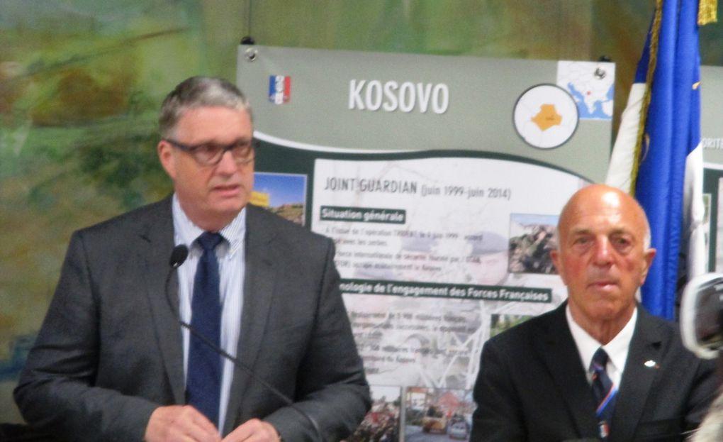 Présentation de l'exposition, discours du président départemental Jean Pierre Barbier