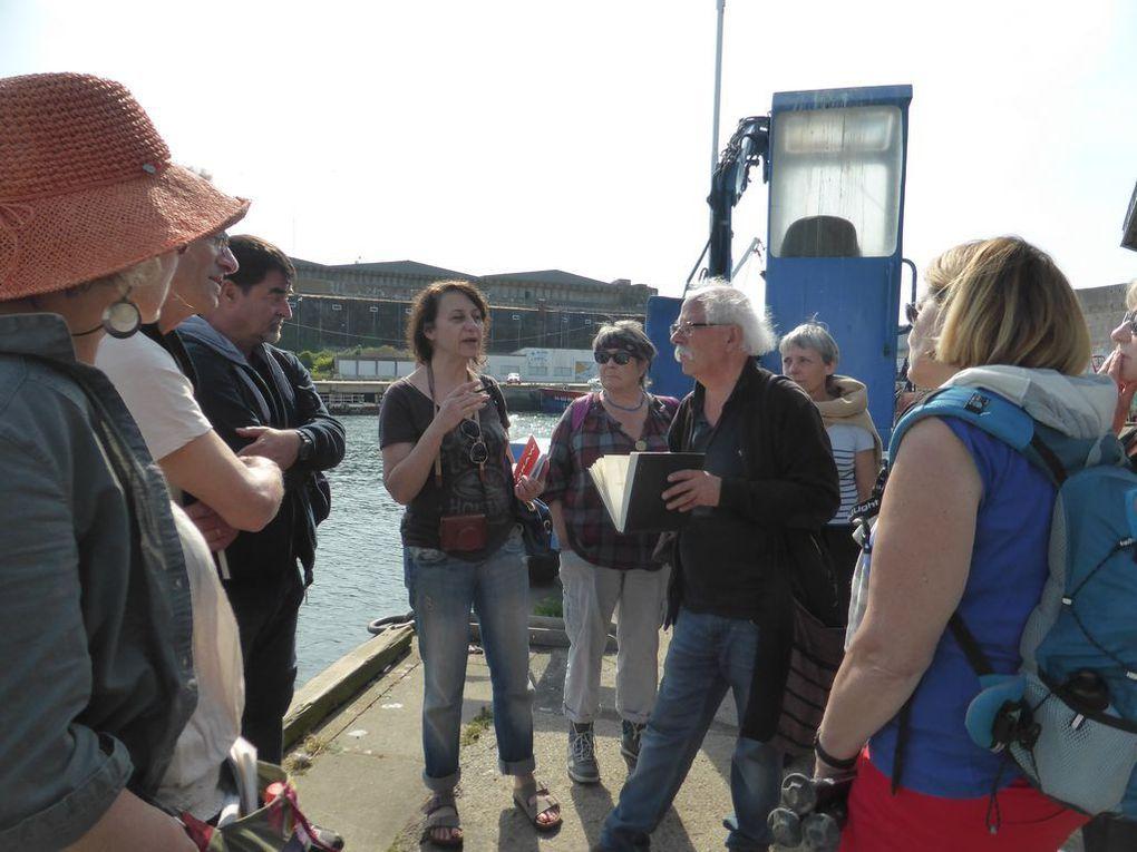 sur le port, faire défiler avec les flêches
