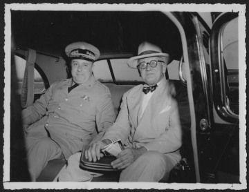 Les présidents des Etats-Unis et leurs représentants en très mauvaise compagnie : Obama et le roi d'Arabie Saoudite - Le dictateur cubain Batista et Roosevelt - Nixon et le Shah d'Iran - Pinochet et H. Kissinger - Somoza, dictateur du Nicaragua, et l'ambassadeur des E.U.