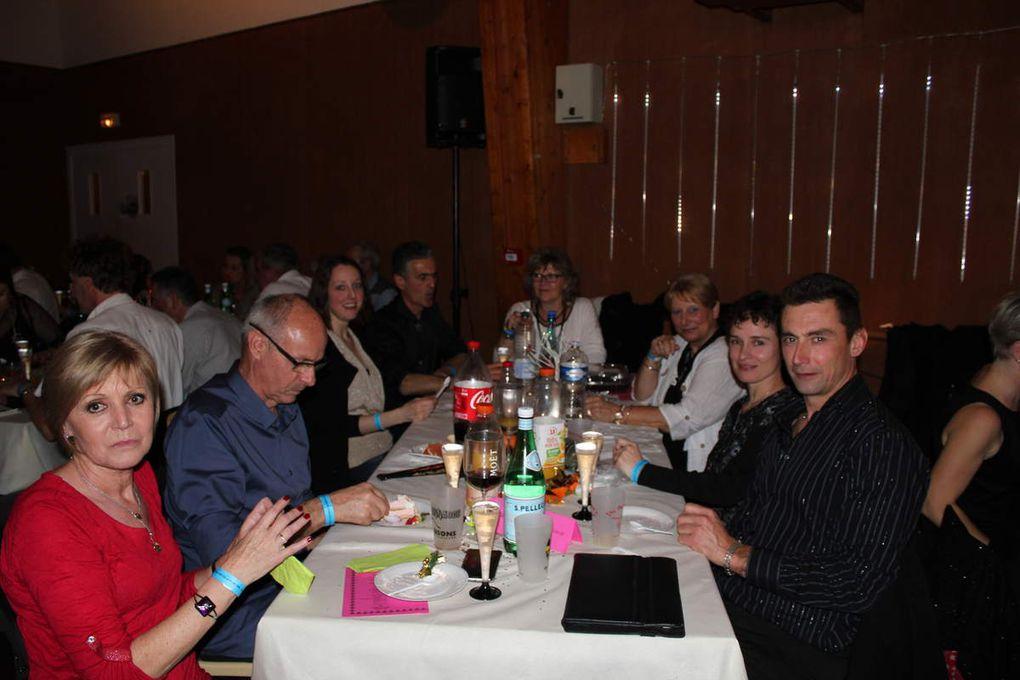 Réveillon 1er an +  Repas de fin d'année Gond Pontouvre + bal à Meschers
