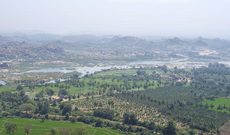 Dans les environs d'Hampi : la colline de l'Hanuman Temple et la vue d'en haut (cliquez pour dérouler les photos)