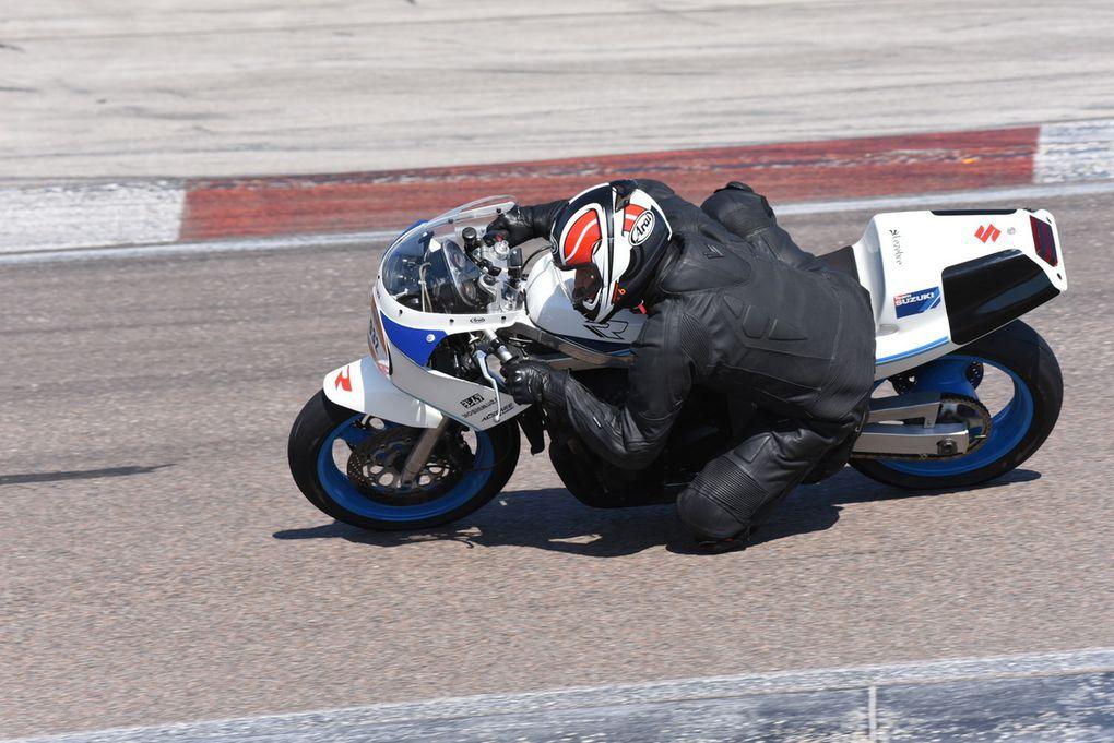 Séries I et J motos de série 250 et plus de 1969 à 1992 et Endurance plus de 250 de 1969 à 1992