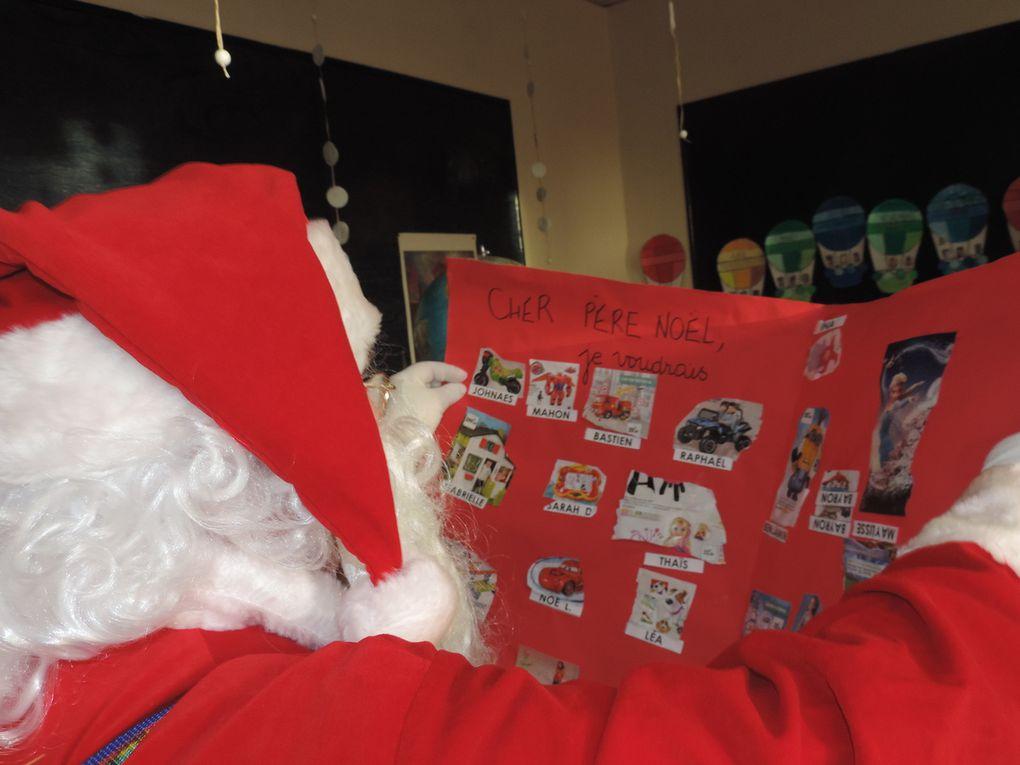 Le Père Noël était aussi passé à l'école....