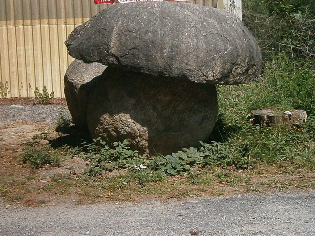 Le roc de l'oie , le fauteuil du diable etc...