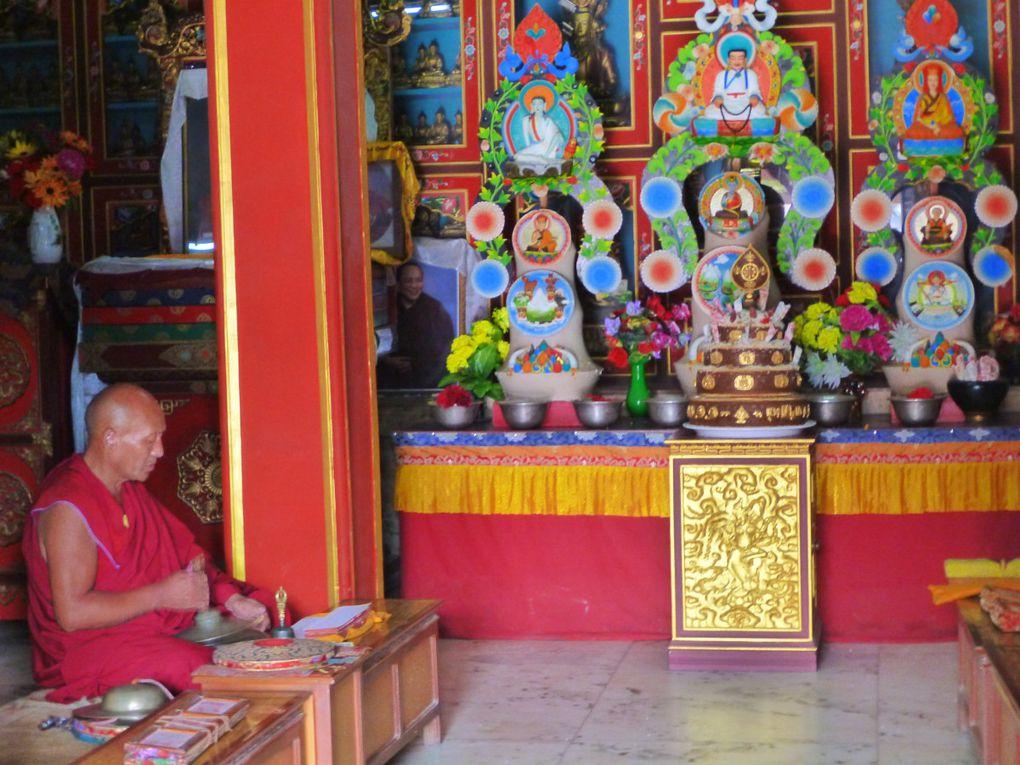 Le stupa et le quartier de Bodnath à Katmandou