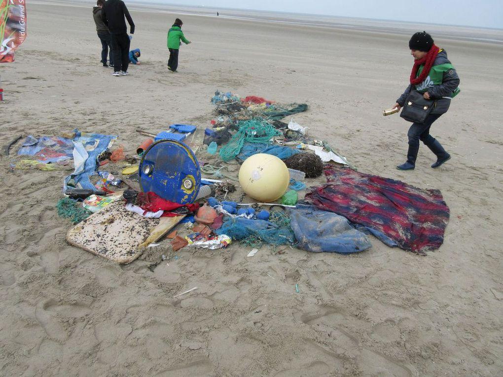 Près de 200 personnes au nettoyage de plage 2016