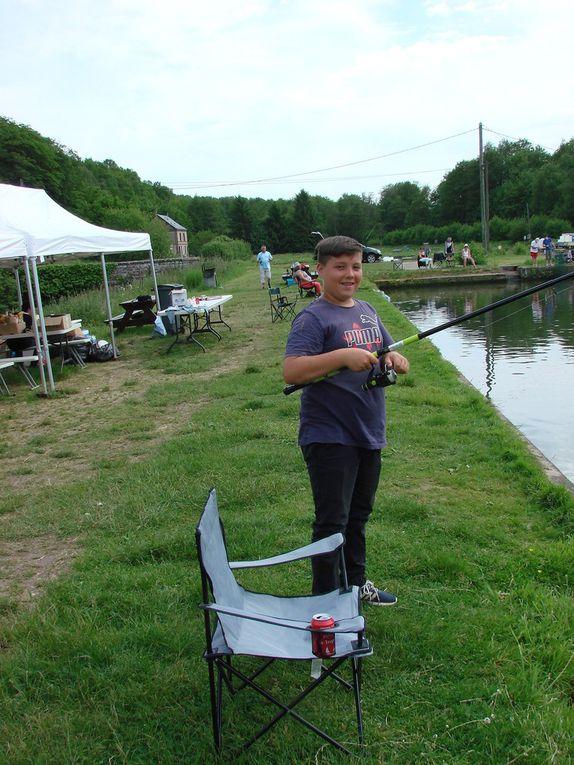 Les coureurs du Stade Vernolien Cyclisme &quot&#x3B;ont la pêche&quot&#x3B;