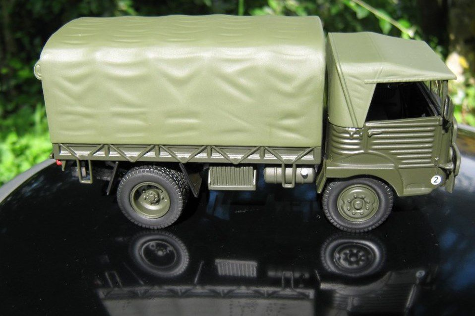 Simca Cargo au 1/43 (Dorekt Collections) - Diaporama 1 - Photos Alain Lesaux
