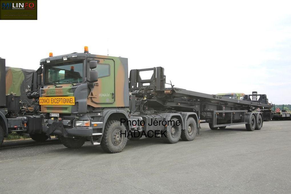 Le SPRAT et son porte-travure Scania, équipé d'une cabine blindée...