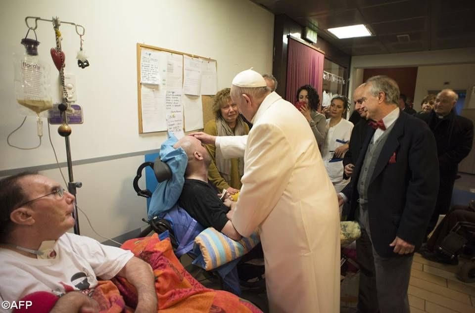 Visite du Pape à la Casa Iride