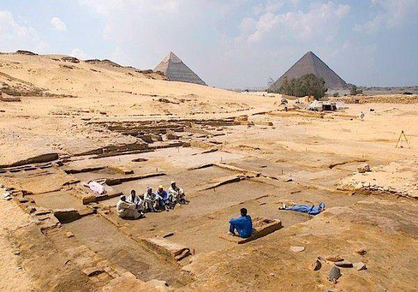 Une grande maison de 21 chambres aurait été découverte, à Guizèh ! En Égypte antique !