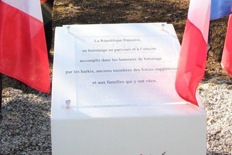 A Jausiers (04), une stèle en mémoire des Harkis