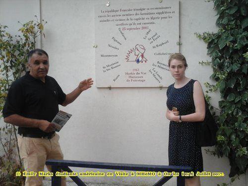 Emily Marks étudiante américaine en Visite à MHeMO d'Ongles (04)