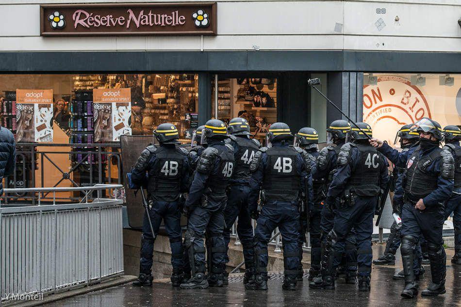 """Manifestation """"Résistances aux états d'urgence"""" du 20 février 2016. Photos : Yves Monteil"""