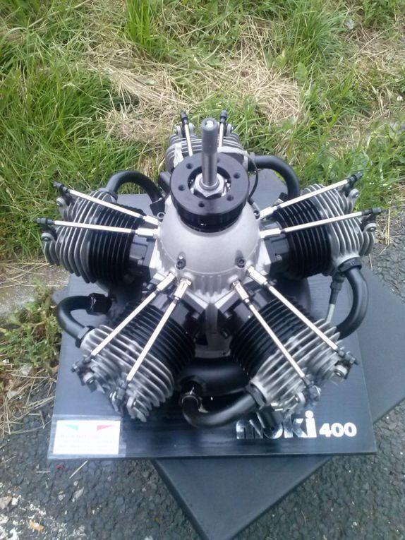 1) C47 8,17m env. 2X400cc MOKI.
