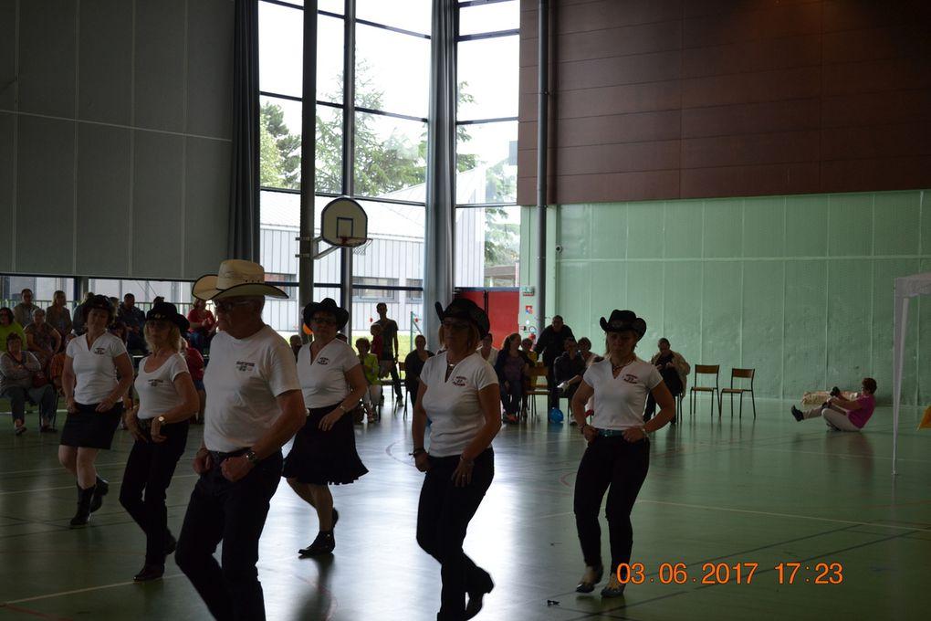 Album Photos Démonstration COUNTRY DANCE Fête de l' ADESA