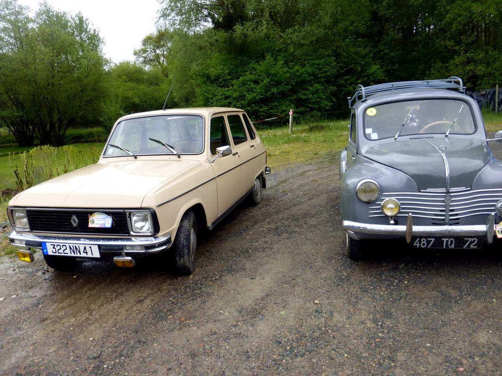 Rassemblement de vieilles voitures à la Roche-Racan