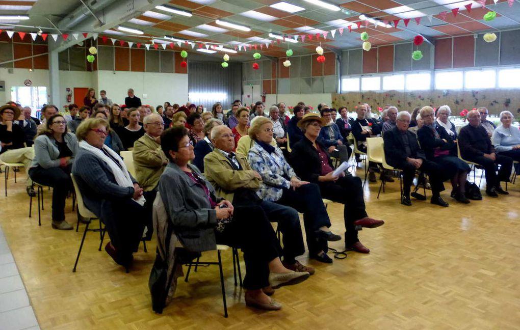 Un public attentif et intéressé par la conférence