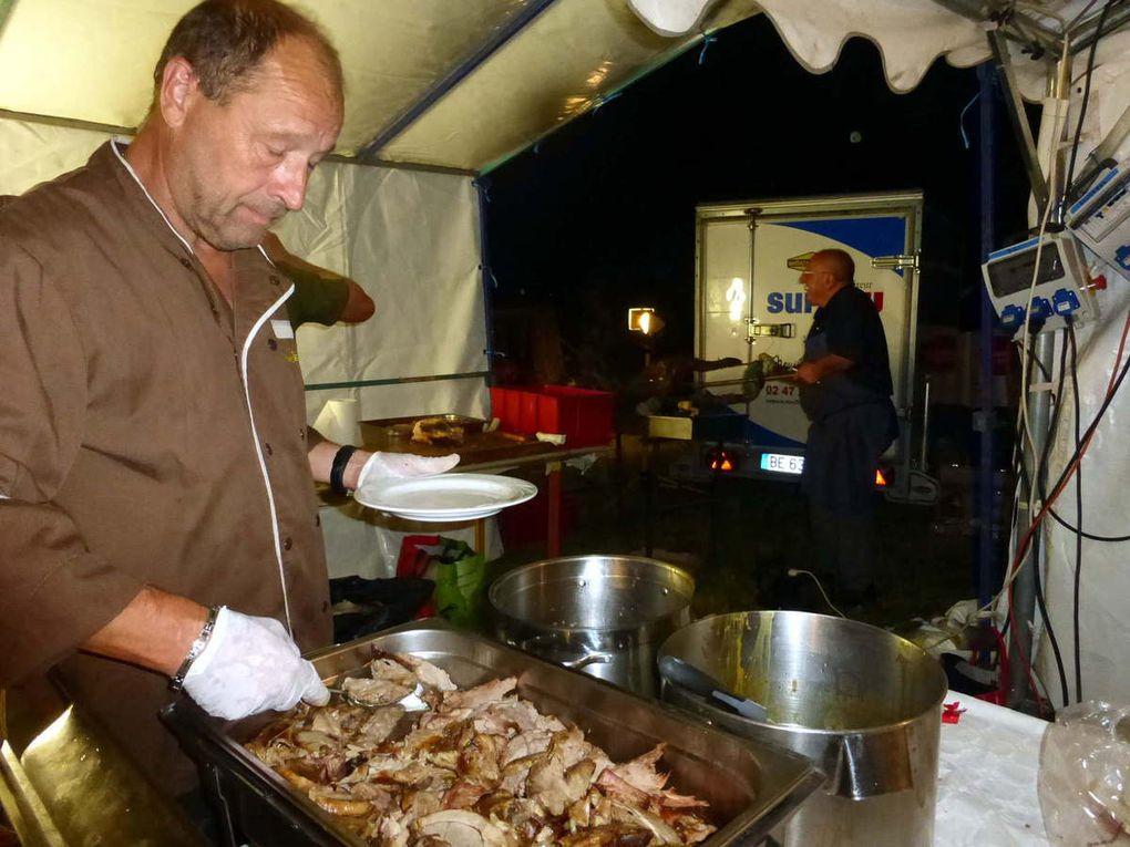 Le manoir illuminé et les bons plats ont permis de bien apprécier la soirée su samedi.