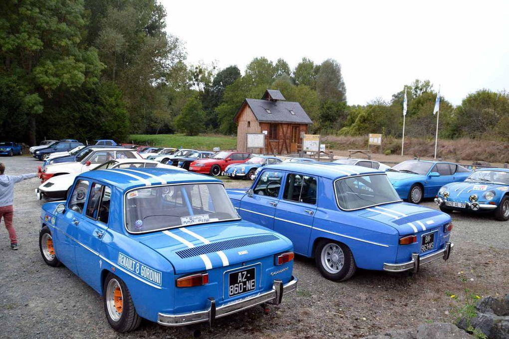 Un rassemblement de belles voitures