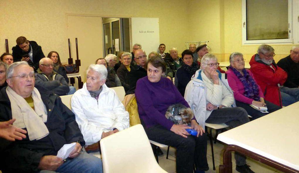 Une trentaine de personnes intéressées par le sujet ont suivi la réunion