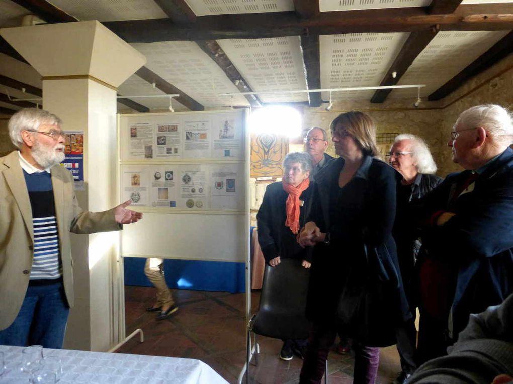 Vernissage de l'exposition &quot&#x3B;Le monde du compas&quot&#x3B; au caveau des Récollets à Château-du-Loir