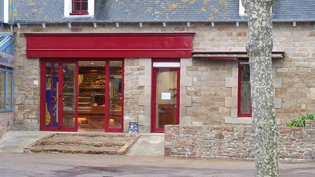 """Réouverture de la boulangerie (04) """"Bréhat-pain"""""""