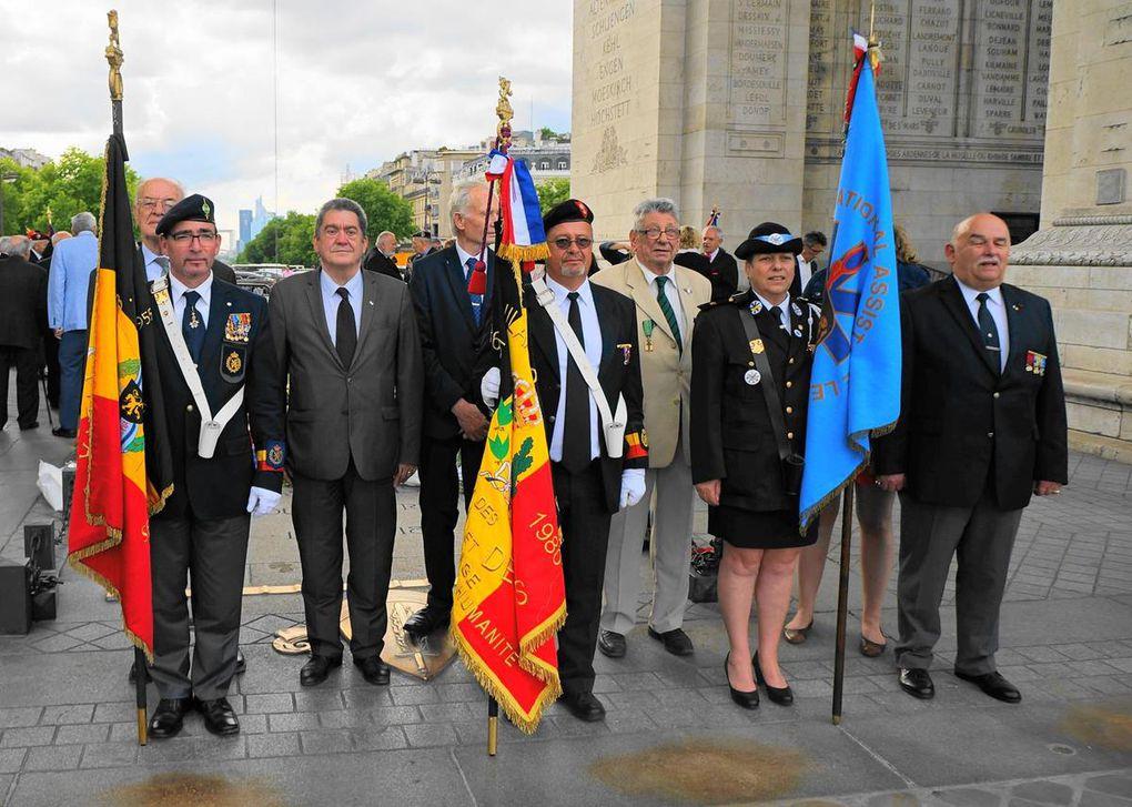 Diaporama du ravivage de la Flamme sous l'Arc de Triomphe du 18 juin 2015