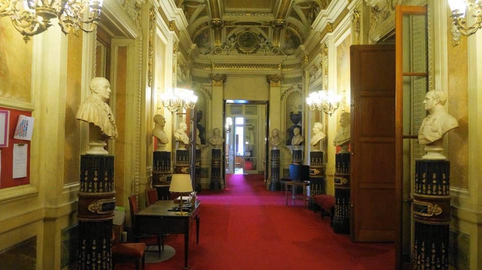 Notre cérémonie et la visite privée du palais en 90 photos.