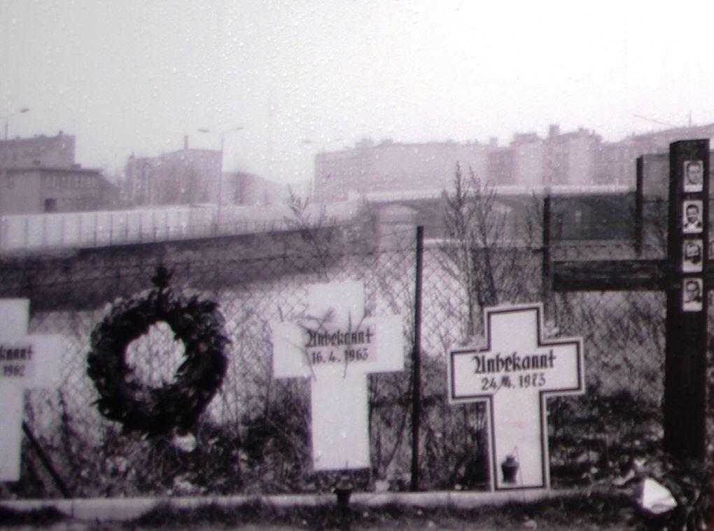 Images d'époque : le Mur et le CheckPoint