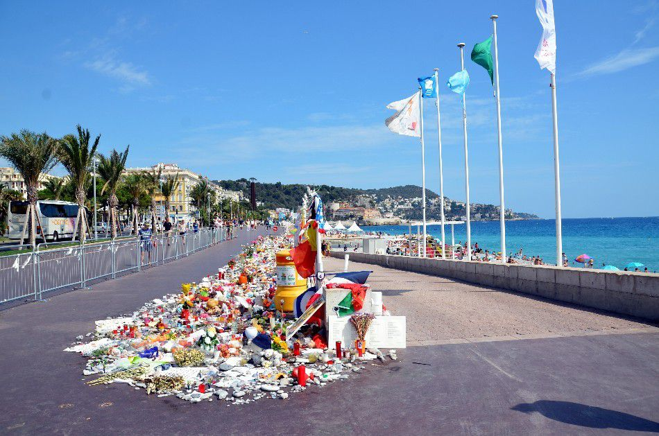 HOMMAGE A NOS ANGES