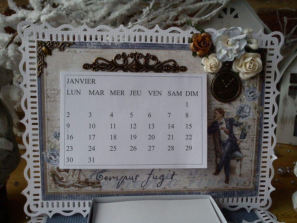 Une carte chevalet calendrier par Athéna  ( papiers Maja Design )