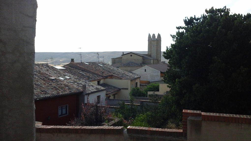 L'imposante église San Juan et son clocher ressemblant plus à une tour crénelée.