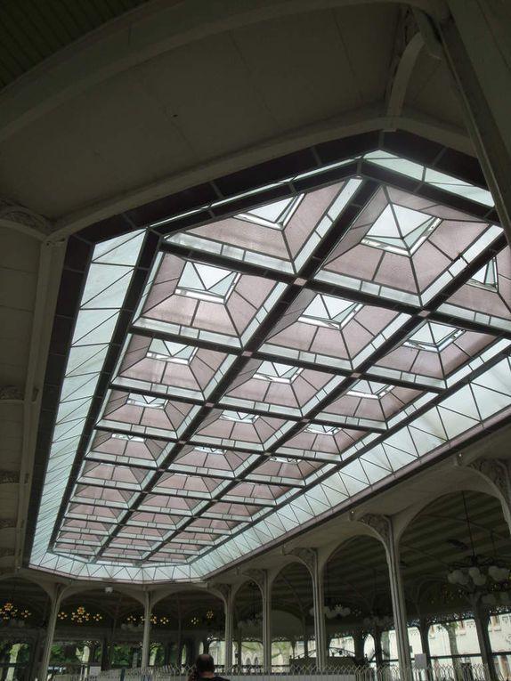Le Hall et son architecture très particulière.