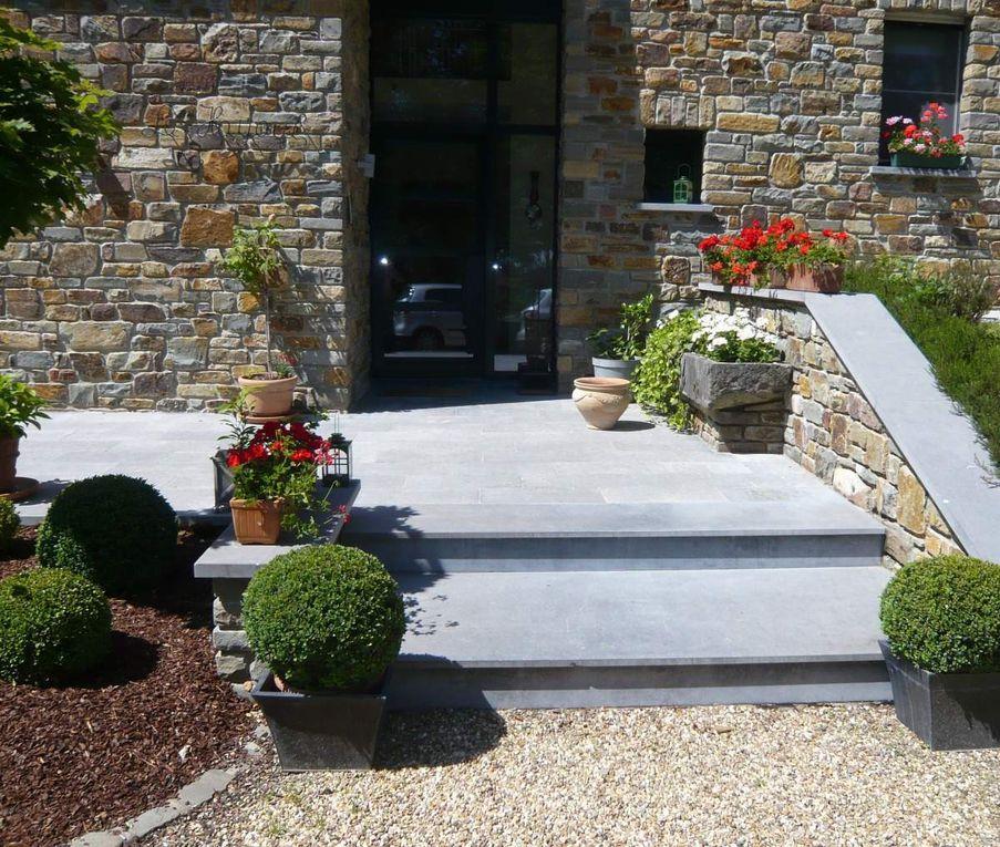 enostyl clair en pierre bleue de soignies taille de pierre 62. Black Bedroom Furniture Sets. Home Design Ideas