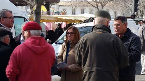 Ouverture de la permanence, marché d'Arles, rencontre avec les arlésiens et inauguration du Salon de la tradition et de l'artisanat de Provence