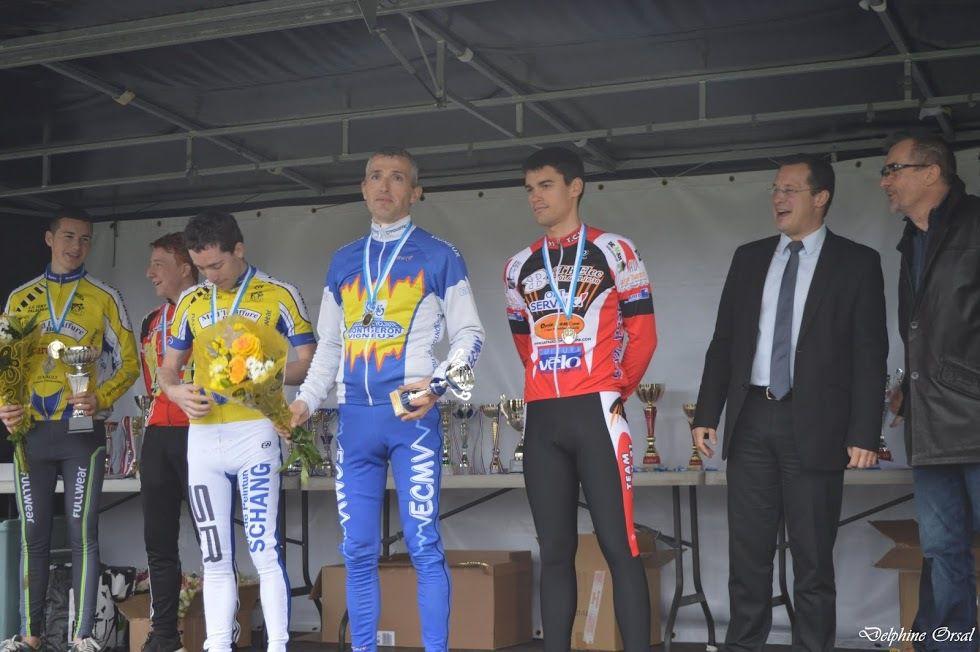 Les podiums de l'ECMV - Photos de Delphine ORSAL