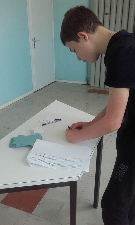 Vote pour le concours de dessin pour le carnet de correspondance