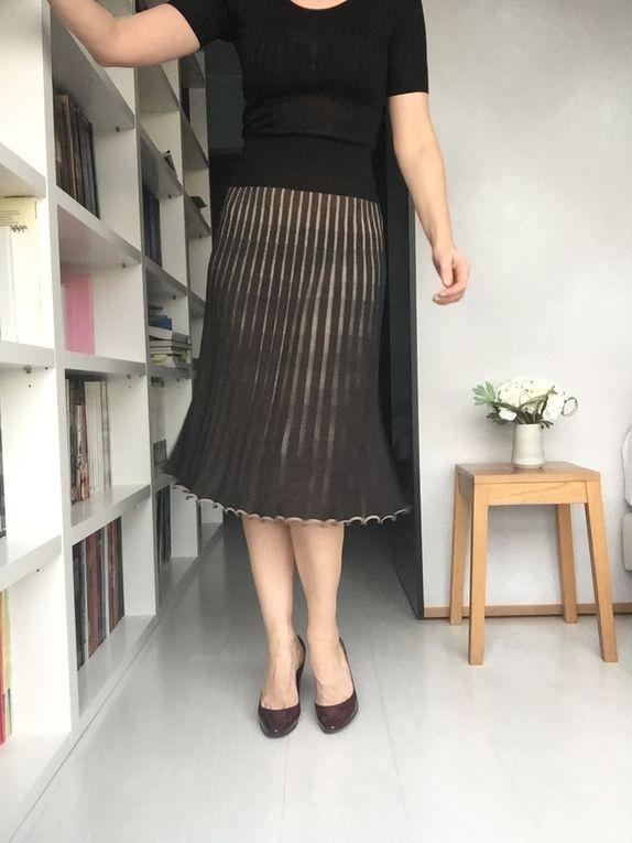 robe : Sonia Rykiel - Veste : Comptoirs des cottoniers - sac : ma grand-mère (ce n'est pas une marque, c'est vraiment celui de ma grand-mère !)