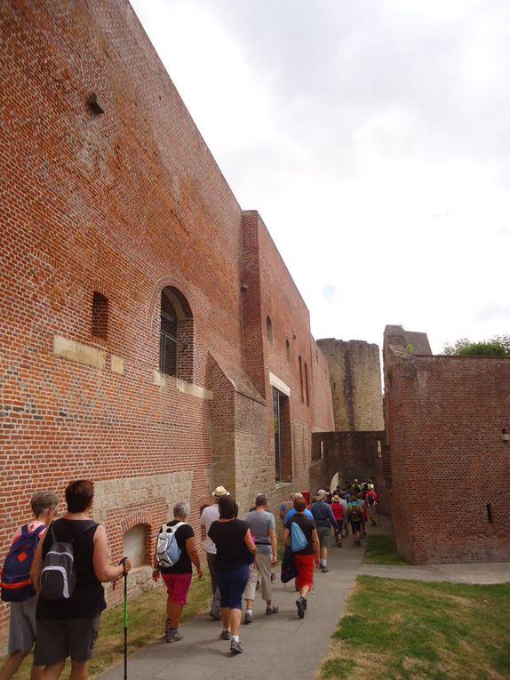 Canal,  château et remparts, parcours du Cam (ce n'est pas le notre)
