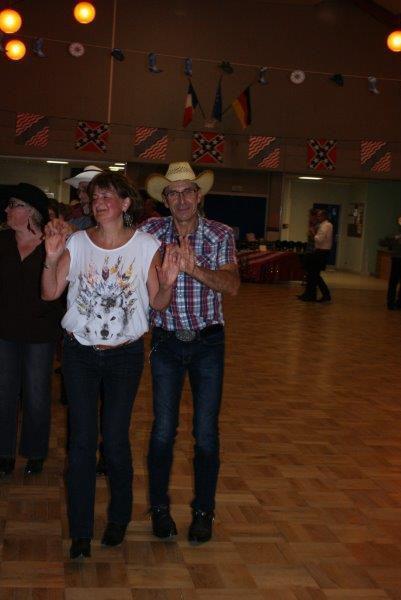 Belle soirée de country chez nos amis de Férrières, merci aux responsables de l'association, et un grand merci à Antoine pour l'animation de la soirée
