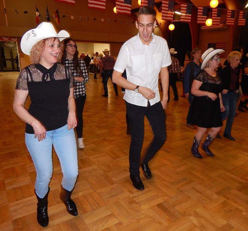 Bal organisé par COWBOY BOOGIE DANCERS 45 et animé par Antoine