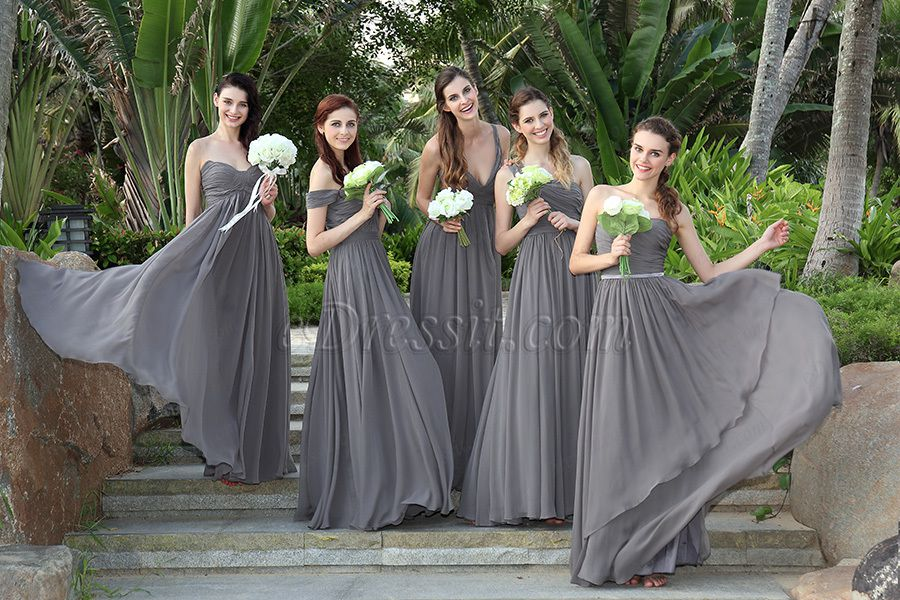 Choose a Fitted Bridesmaid Dress If You Are Plus-Sized