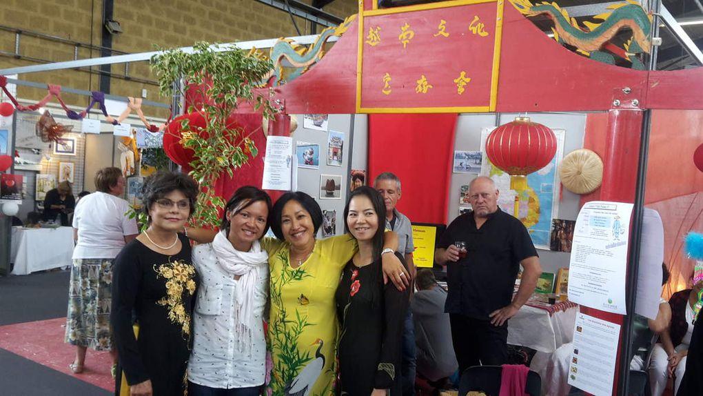 Alain, Joël, Nhung, Danièle, Joëlle, Marie-France, Françoise, Sophie, Jean-Jacques, Michel et nos amis vietnamiennes Nhung Tran et Linh