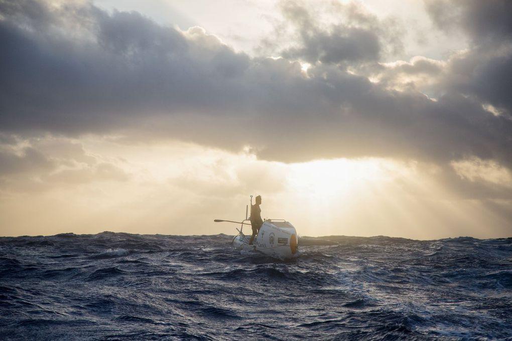 Chris Bertish est devenu le premier homme à réussir la traversée de l'Atlantique en paddle.
