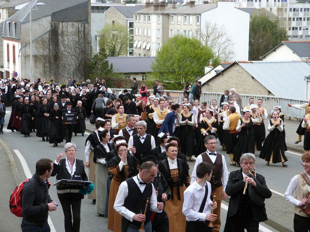 Le Cercle celtique Kreiz-Breiz au Tradi'deiz&quot&#x3B; à Vannes